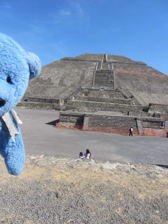 Pyramid of Sun - Teotihuacancan