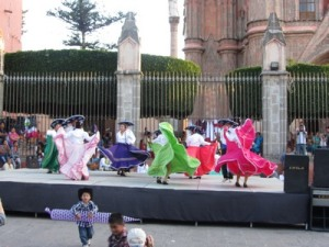 Dancers at Jardin, San Miguel de Allende, Mexico
