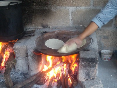 Cooking tortillas, Outdoor Kitchen (cocina), Teloloapan, Mexico